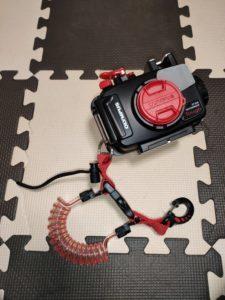 腕輪式ストラップはうざい!ダイビング用水中カメラの運搬・水没防止にはスナッピーコイルがおすすめ!